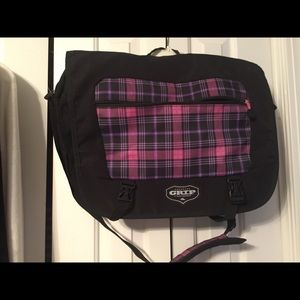 Messenger bag by High Sierra